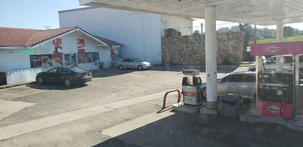 Sami Food Mart / Shell Gas Station 3