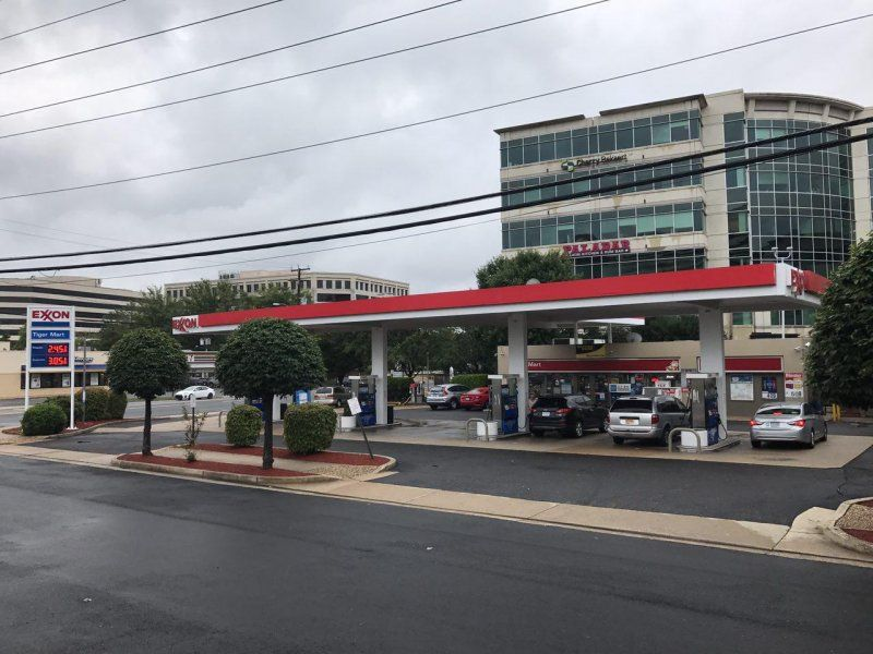 Exxon Gas Station - Tysons Corner - Bitexpress